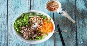 5 TOP SPOTS FOR STREET FOOD IN HANOI